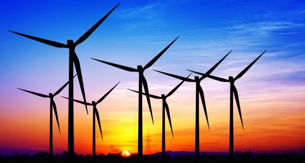 Global energy system creating more jobs in renewables than in fossil-fuel technologies