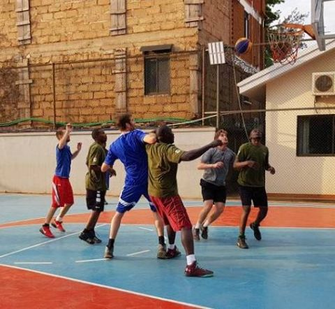 Hotel Treats Customers To Basketball Fun