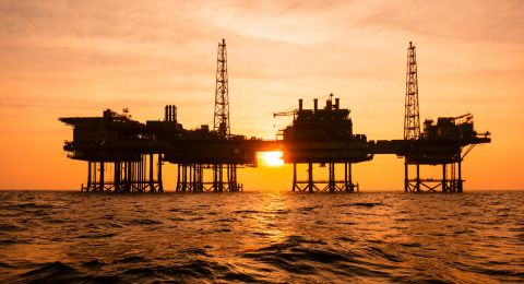 U.S Firms Dash For Angola's Oil Sector