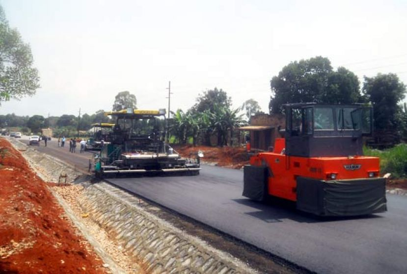 The Hoima-Kaiso-Tonya Road under Construction