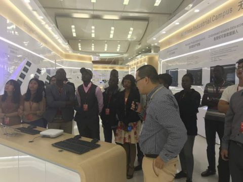 New Technologies Excite Ugandan Students In China